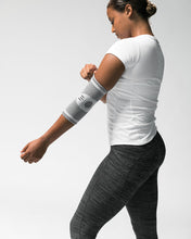 Load image into Gallery viewer, ARYSE Hyperknit Elbow Sleeve- Silver