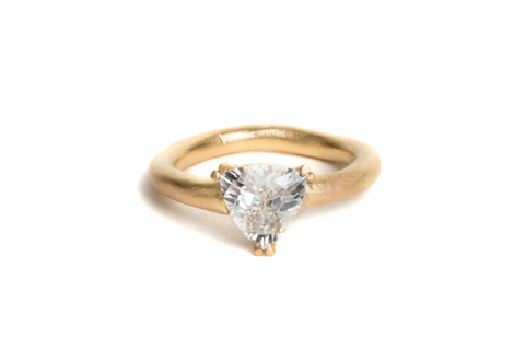 engagement ring 18ct yelle gold white Australian Sapphire