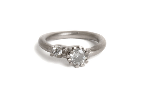Engagement ring 18ct white gold diamonds
