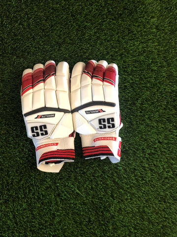 SS Aerolite Batting Gloves