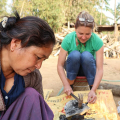 Joanna crushing iron ore stone for natural dyes - Muezart