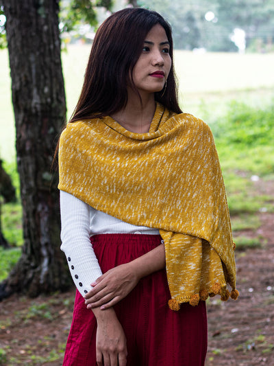 eri silk knitted scarf | natural dyed sunglow yellow | peace silk erandi silk errandi | eri seide ahimsa seide