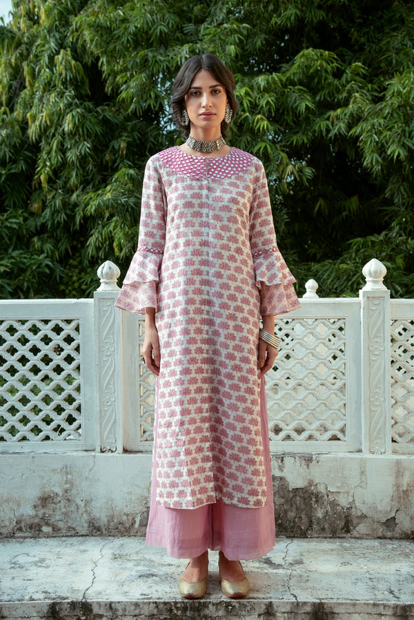 Lotus embroidered bell sleeve kurta- Pink