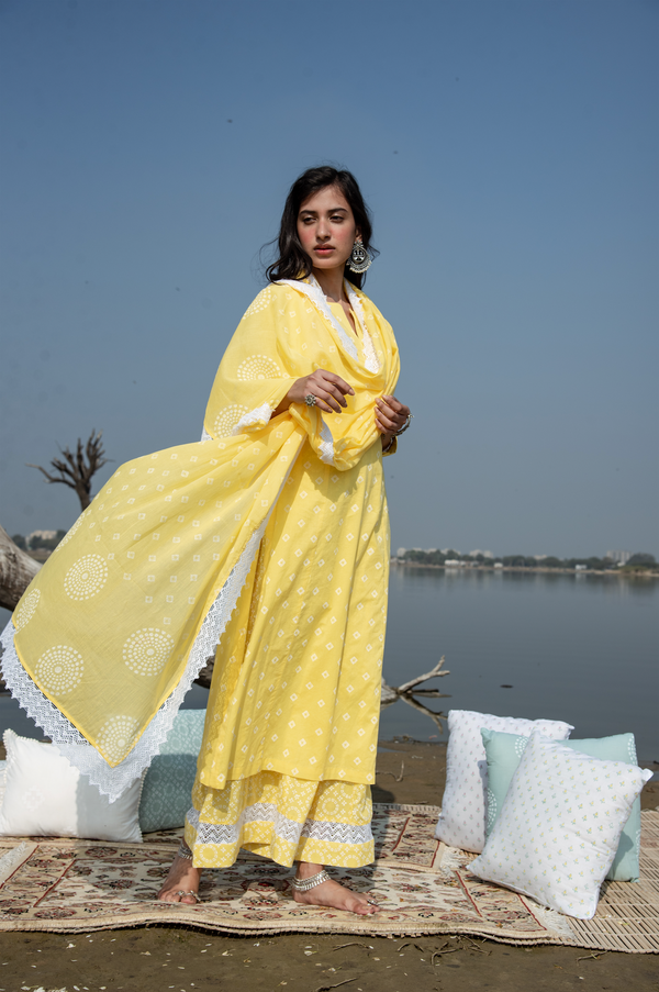 BANDHANI BLOCK PRINT KALI FLARED PALAZZO SET WITH MUL DUPATTA  Set of 3 - Yellow