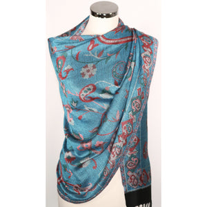 Viscose scarf with pattern