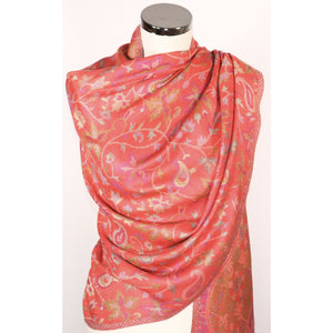 Viscose scarf in red with pattern