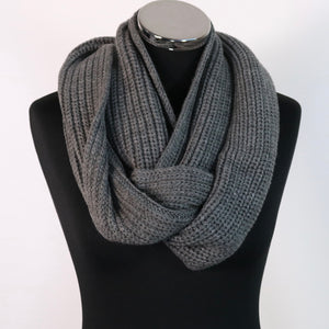 Grey neck warmer / snood