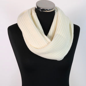 Cream neck warmer /snood
