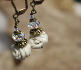 Boucles d'oreilles en spaghetti de Limoges et cristal Swarovski - Porcelain spaghetti earrings with Swarovski crystals