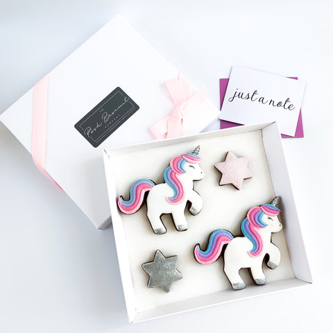 Posh Silver Unicorn medium gift box
