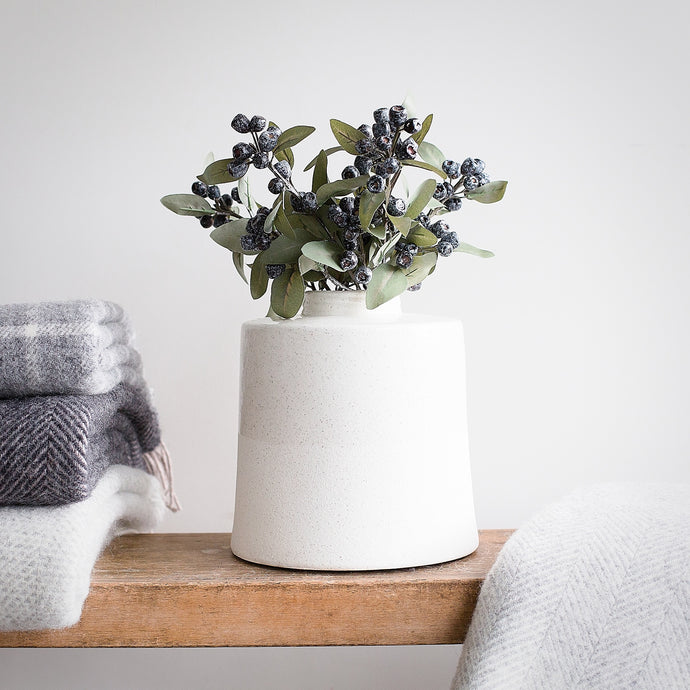 Oslo short ceramic vase (Pre Order for delivery end of January)