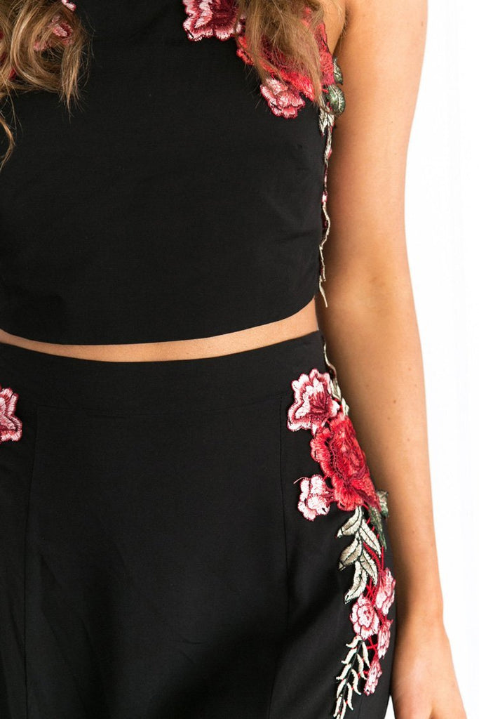 Black Two Piece Beachwear Spaghetti Strap Crop Top with Maxi Skirt SK0338