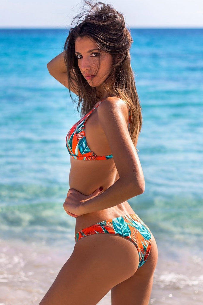 Charming Tropical Low Rise Print Triangle Bikini Swimsuit SB271