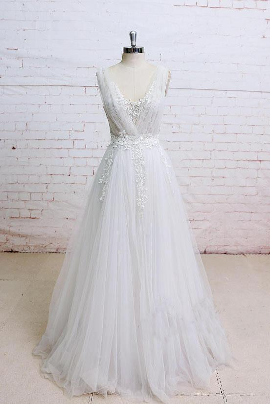 Elegant Ivory A Line Plunging Neckline Lace Appliqued Flowers Tulle Wedding Dresses PH649