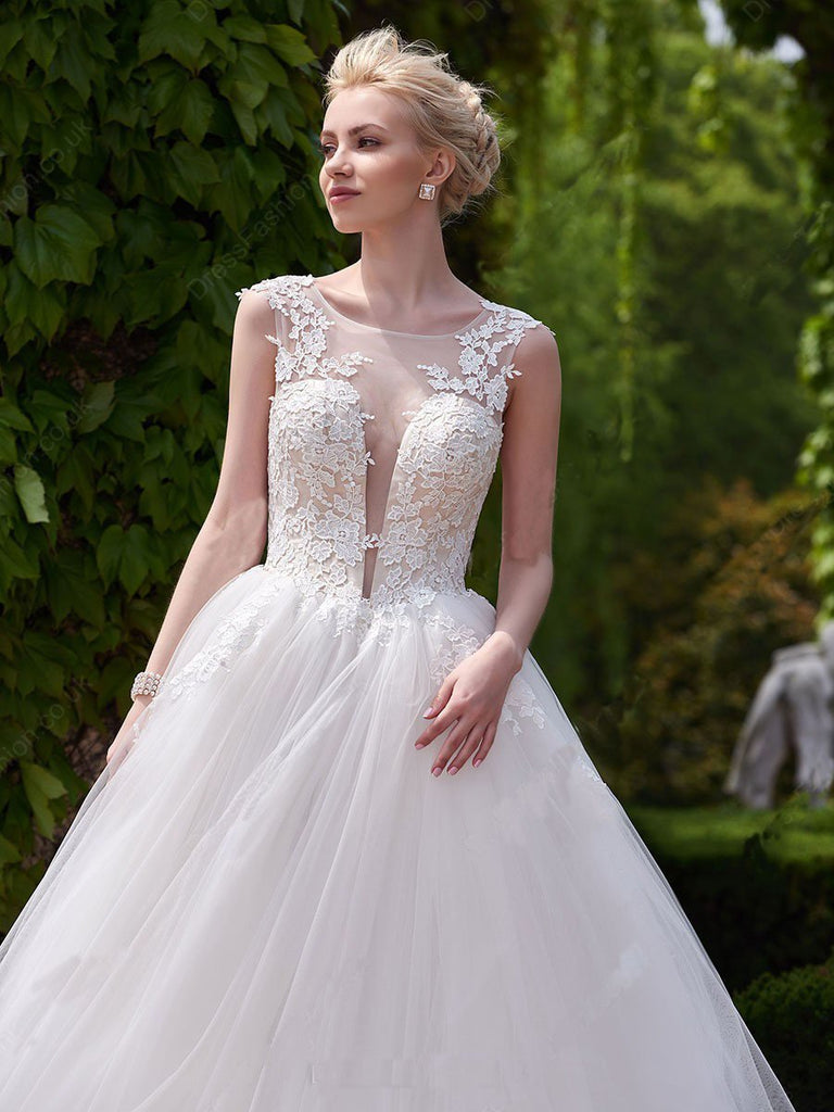 New Style A-line Scoop Neck Tulle Appliques Lace Court Train Backless Wedding Dress uk PM633