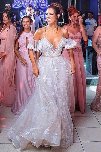A-Line Cold Shoulder Lace V Neck V Back Tulle Beach Wedding Dresses with Ruffles Appliques PW204