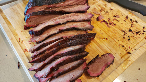 sliced brisket with smoke ring