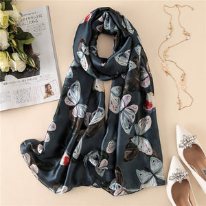 2018 luxury brand Women Silk scarf Beach Shawl and Echarpe Luxurious Wrap Designer scarves Plus Size female beach stole bandana