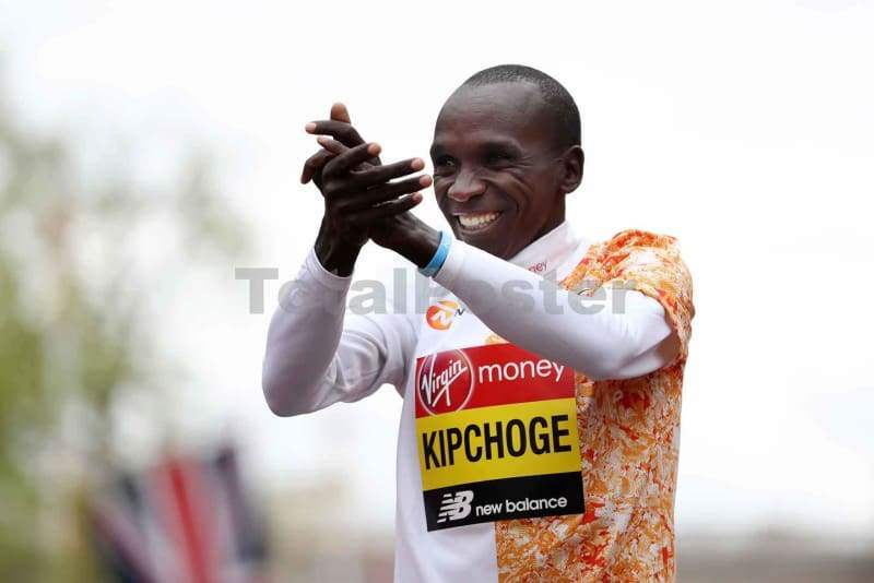 Eluid Kipchoge wins London Marathon