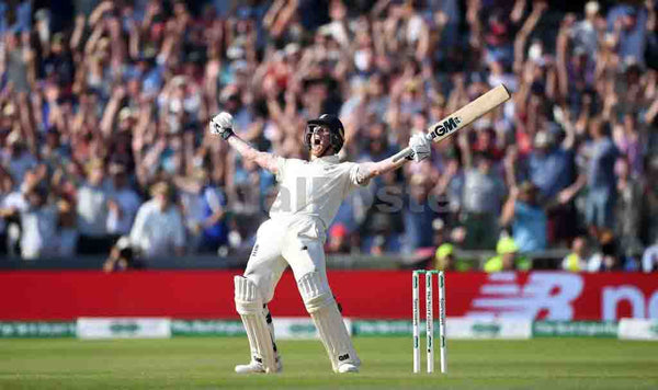 Ben Stokes of England celebrates hitting the winning runs to win the 3rd Specsavers Ashes Test match between England and Australia at Headingley on August 25, 2019 in Leeds, England