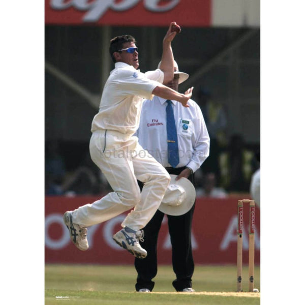 Ashley Giles in action during the England v West Indies npower Fourth Test at the AMP Oval | TotalPoster