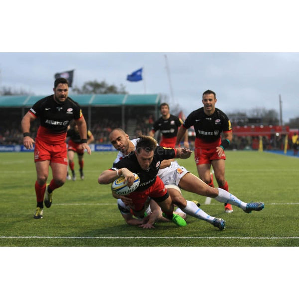 Chris Wyles scores a try during the Aviva Premiership match between Saracens and Exeter Chiefs at Allianz Park stadium | TotalPoster