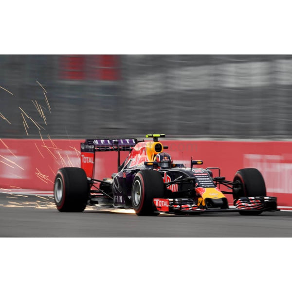 Daniil Kvyat / Infiniti Red Bull Racing during qualifying for the Formula One Grand Prix of Russia at Sochi Autodrom | TotalPoster