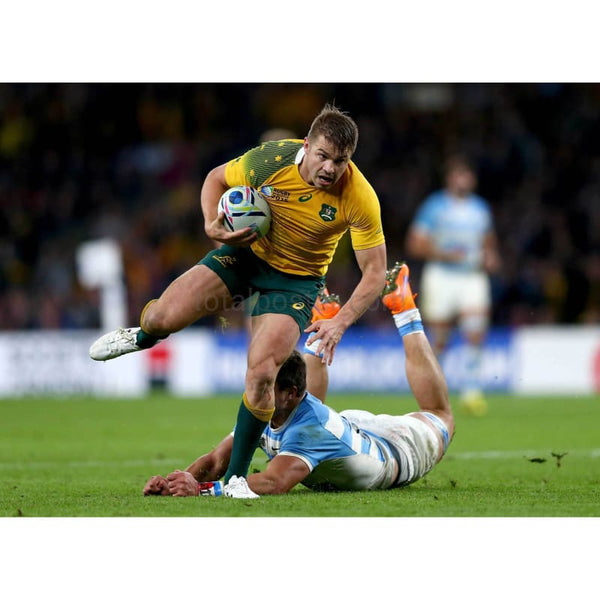 Drew Mitchell runs clear from Lucas Gonzalez Amorosino during the 2015 Rugby World Cup Semi Final match between Argentina and Australia at Twickenham | TotalPoster