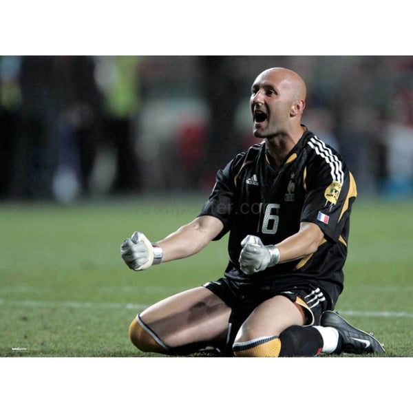 Fabien Barthez | Football Poster | TotalPoster