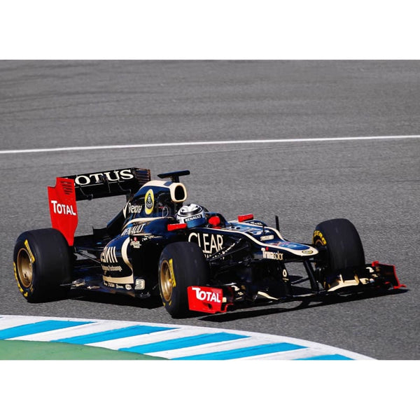 Kimi Raikkonen in action in the new Lotus E20 during Formula One winter testing at the Circuito de Jerez | TotalPoster