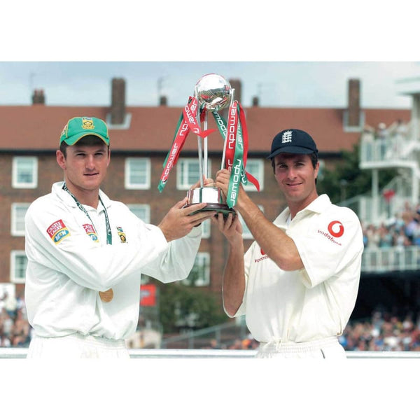 Captain Michael Vaughan and Captain Graeme Smith share the Triophy after the drawn Test Series at the Oval | TotalPoster