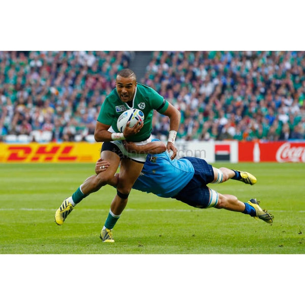 Simon Zebo makes a break during the 2015 Rugby World Cup Pool D match between Ireland and Italy at the Olympic Stadium | TotalPoster