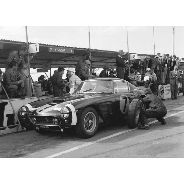 Pit stop for Stirling Moss / Ferrari at Goodwood | TotalPoster
