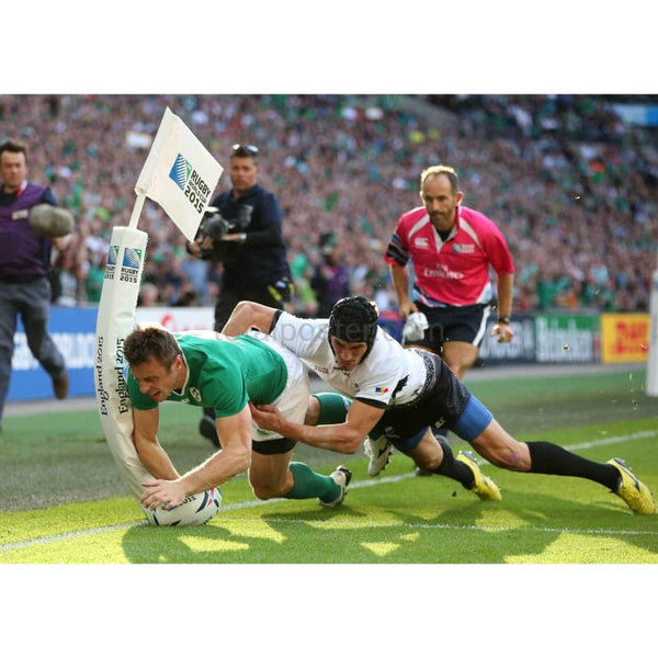 Tommy Bowe scores his teams first try during the 2015 Rugby World Cup Pool D match between Ireland and Romania at Wembley Stadium | TotalPoster