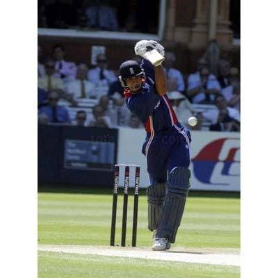 England`s Vikram Solanki in action during the Natwest Challenge Final at Lords | TotalPoster