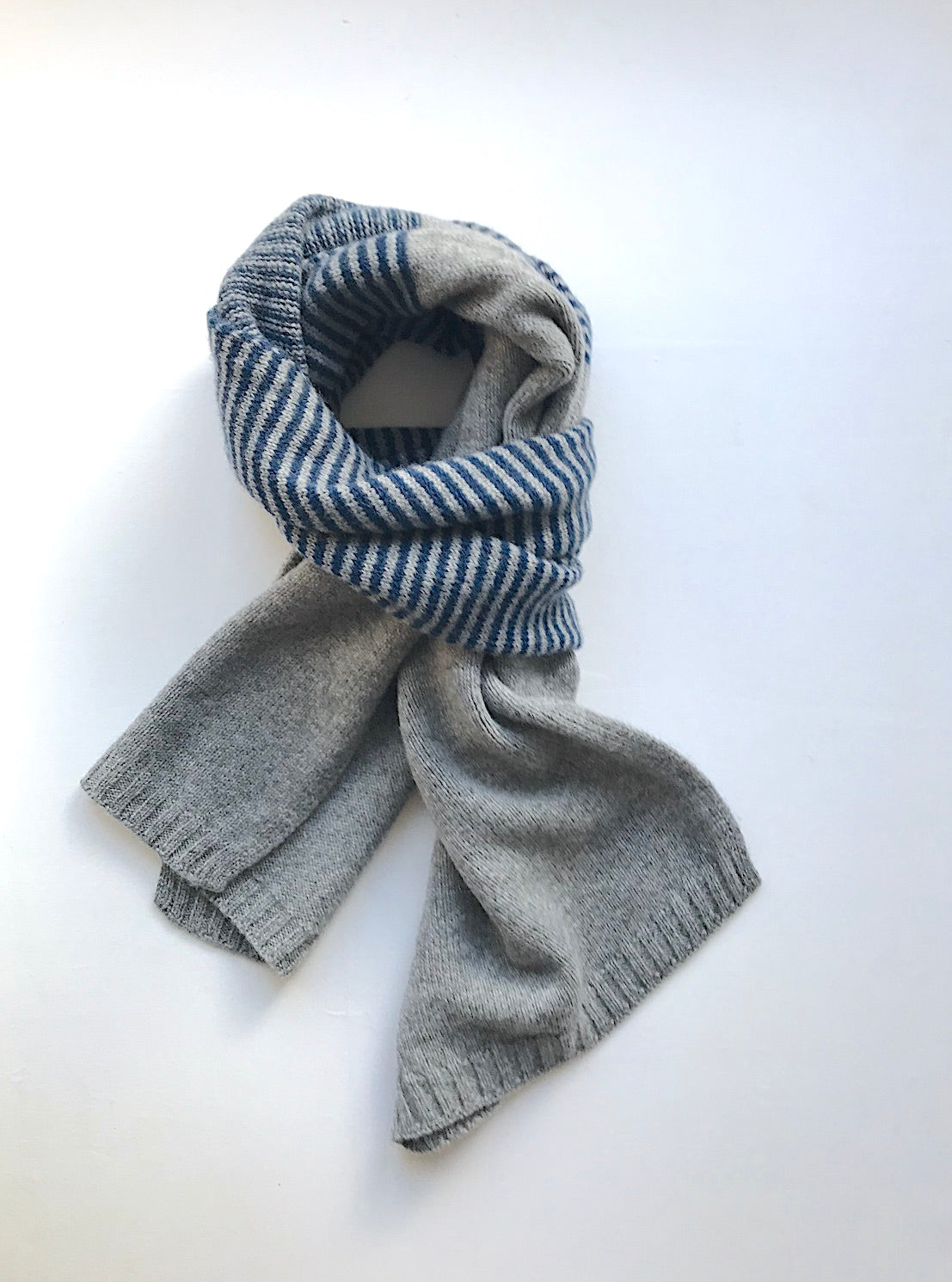 Mens Cashmere Scarf - grey with blue centre stripes