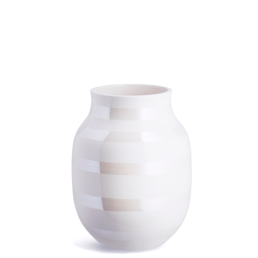 Kahler Omaggio Medium Ceramic Vase - White / Pearl