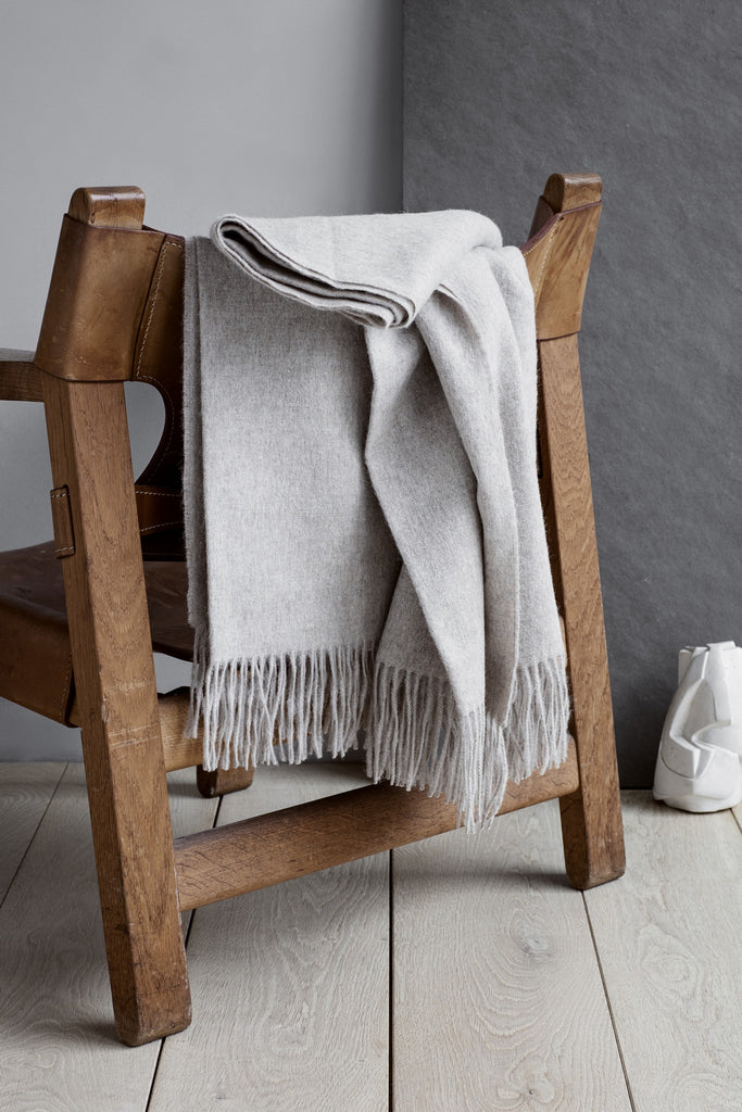 Classic Alpaca & Wool Throw Blanket in Beige