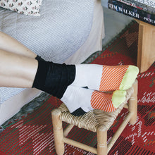 Load image into Gallery viewer, Maki Socks - Salmon