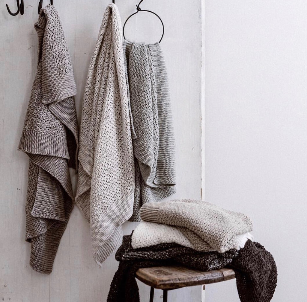 Stella Knitted Linen Hand Towel