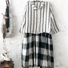 Load image into Gallery viewer, Avery Linen Shirt - White and Black Stripe