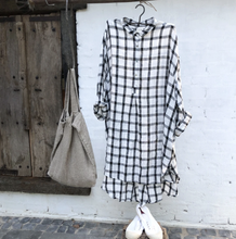 Load image into Gallery viewer, Harper Linen Shirt Black & White Grid