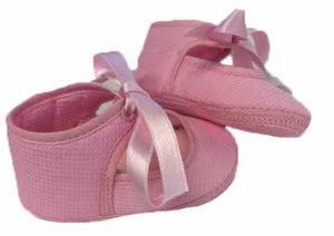 A soft cotton shoe with satin laces - Pink