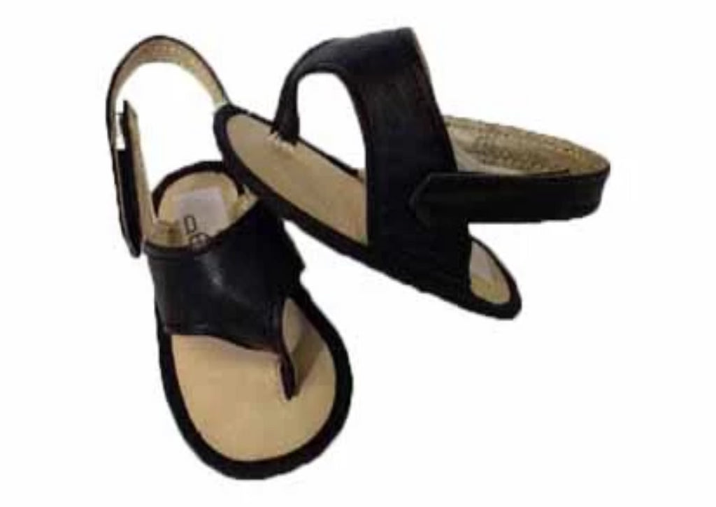 Sandal made of leather with velcro strap