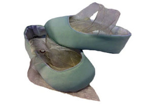 Ballet pumps made of satin, cotton lining with organza laces - Pale green