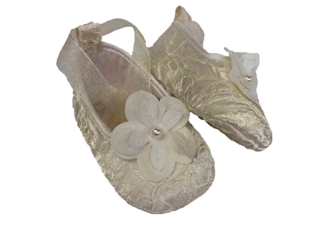 Creased satin slipper, with organza laces and flower embellishment - Beige