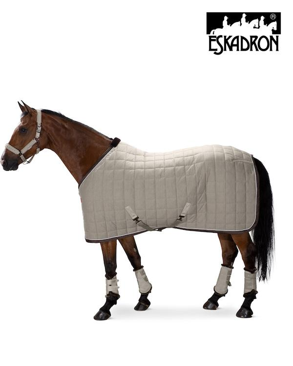 Eskadron Acrylic Quilted Sweat Rug Platinum 2020 - Extra charges apply for worldwide shipping Eskadron My Breeches | Eskadron Greige S (125cm/5ft6)