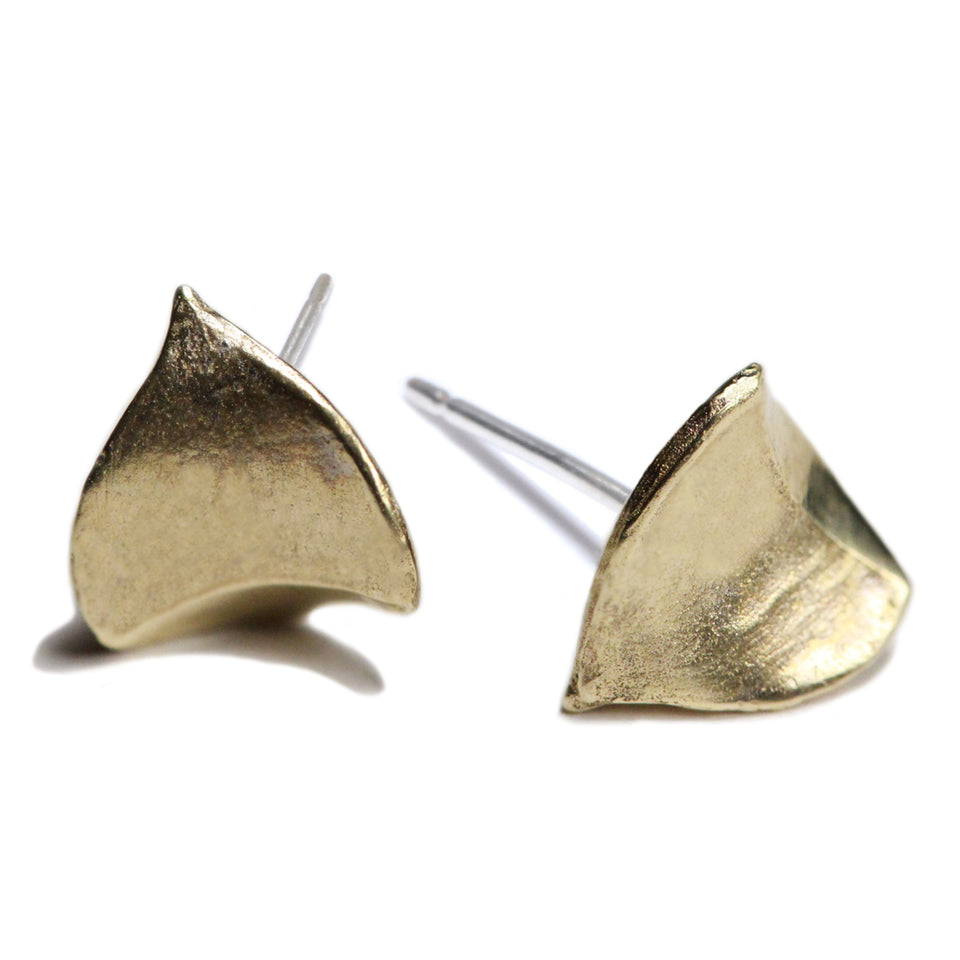 Tiny Leaf Earrings - Brass