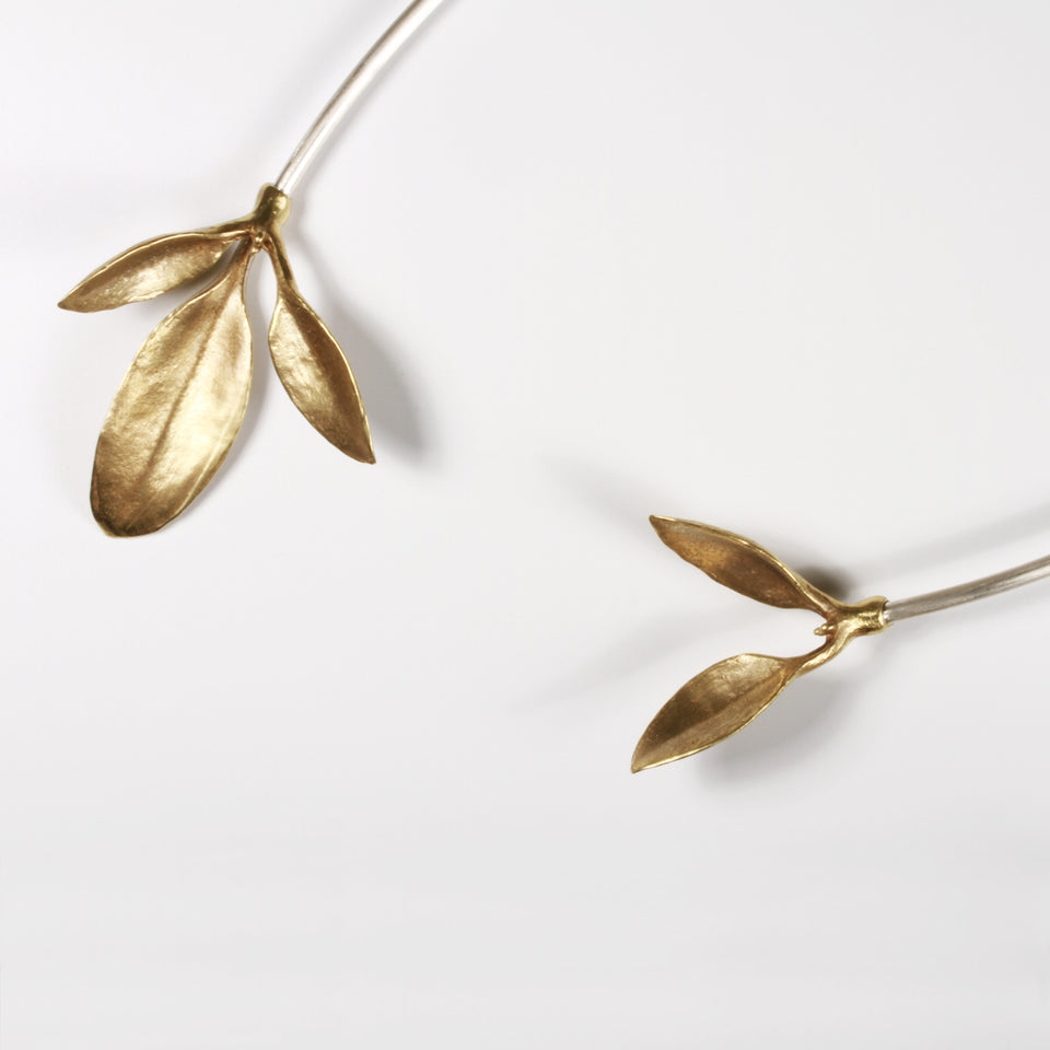 Asymmetric Leaves Neck Cuff