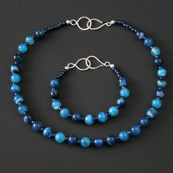 Gemstones - Agate necklace and bracelet bundle